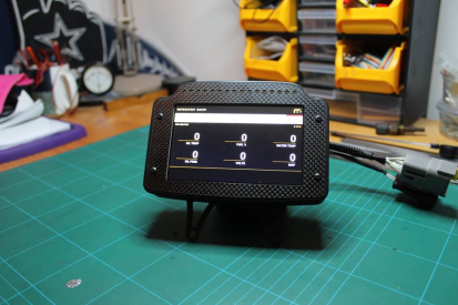 "5"" CAN Display making use of a sunlight readable high contrast display, GPS sensor, analogue fuel input and 16 shift/warning LEDs. More here: https://motorsportmaker.com/dash-display/"